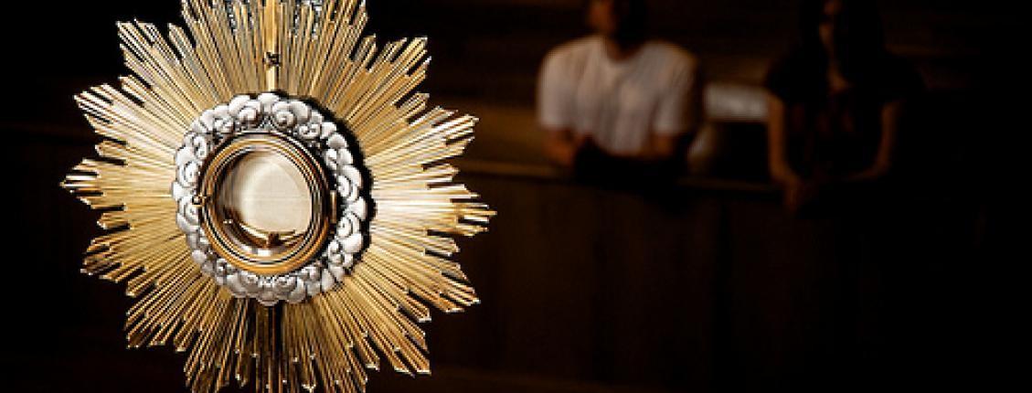 adoracja-najswietszego-sakramentu-w-intencji-poju-w-syrii